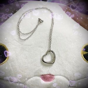 PUFFY SILVER HEART NECKLACE